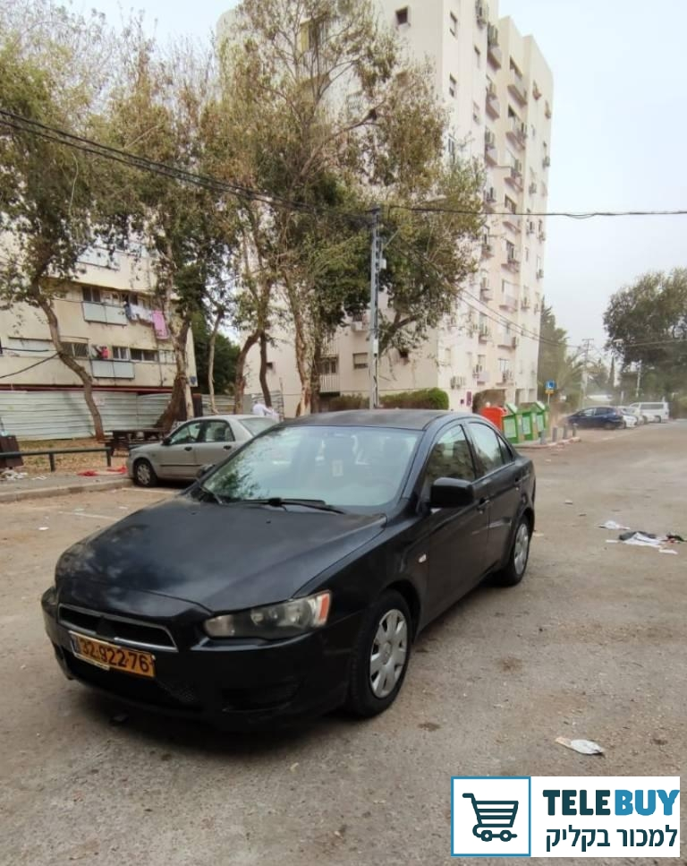 תמונה של מיצובישי לנסר שנת 2011 יד 3 בתל אביב-יפו