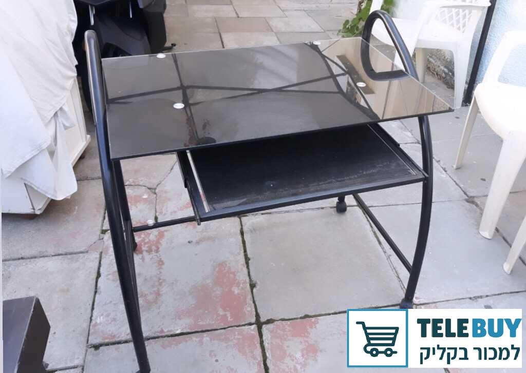 ריהוט שולחן מחשב בתל אביב-יפו