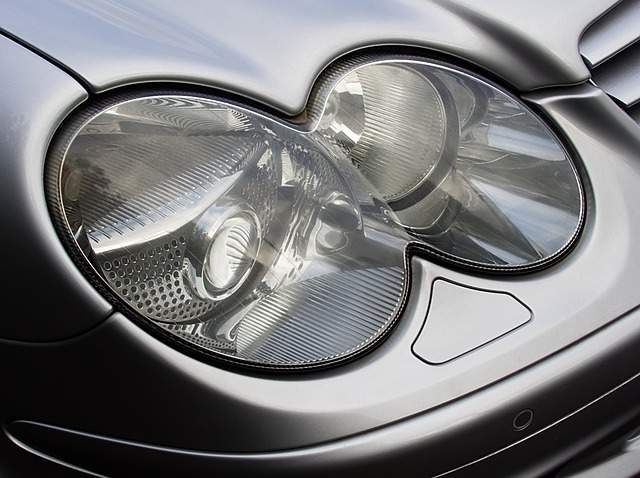 headlight-2141287_640