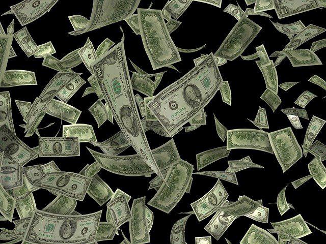 מלא כסף נופל